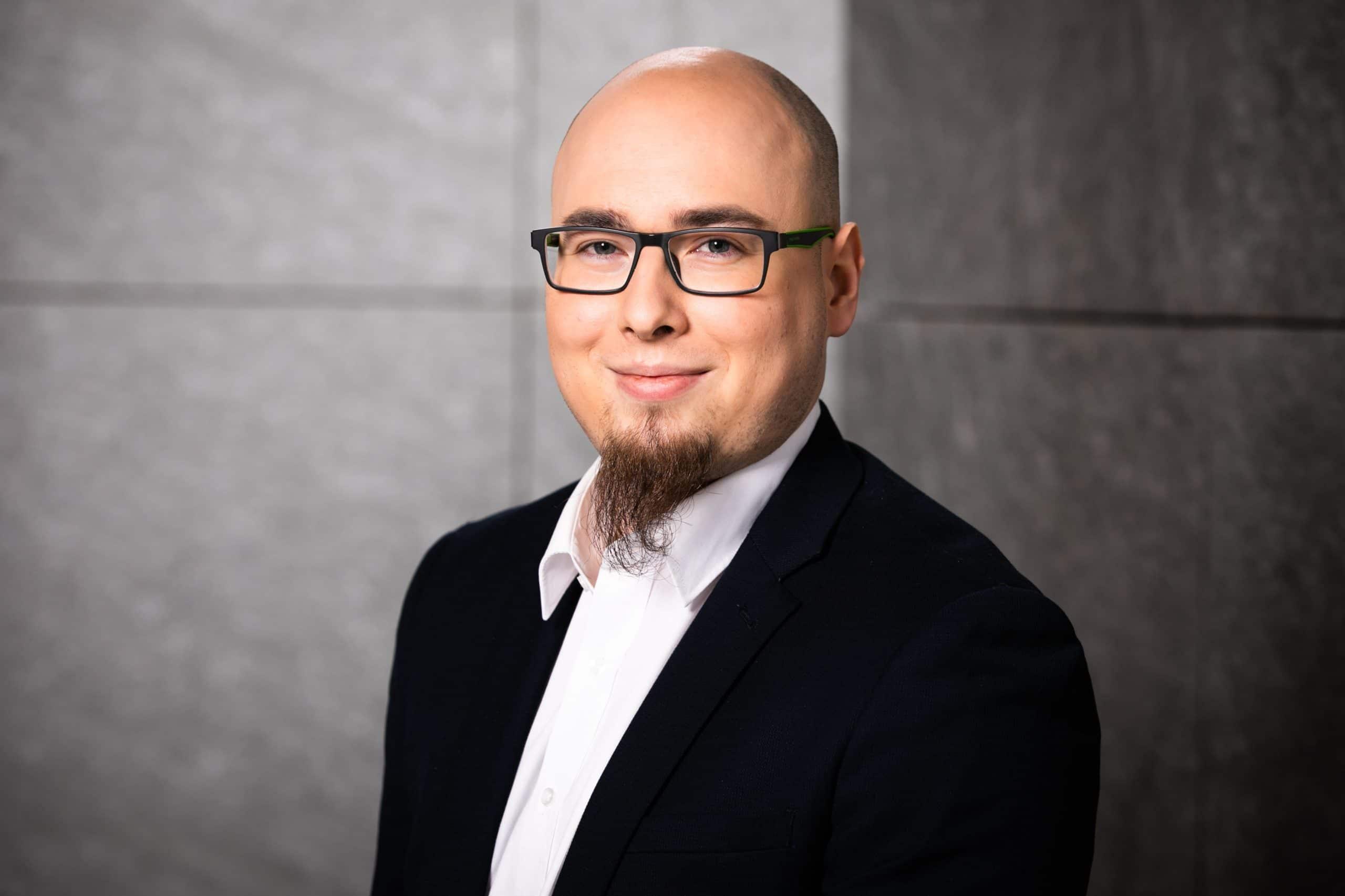 Sebastian Wuttke Account Executive HBI