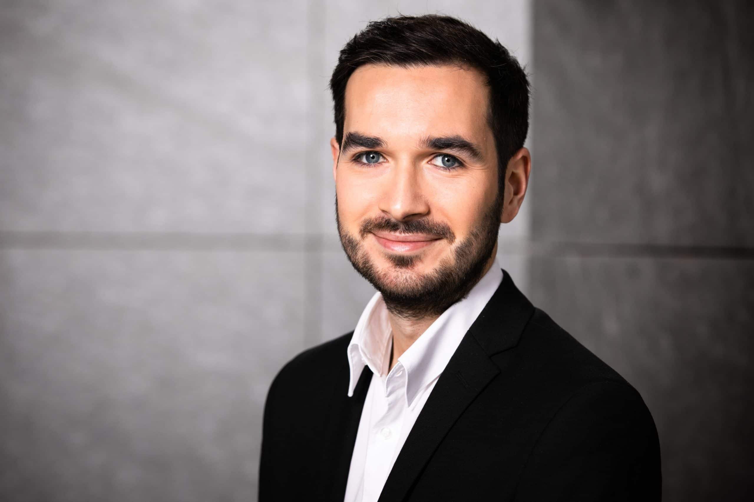 Portrait Alexander Hencel